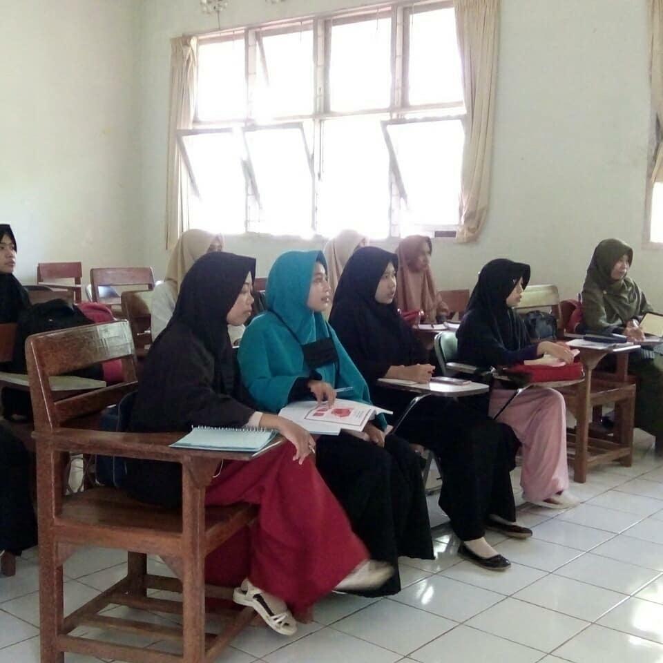 Program Perbaikan Baca Tulis Qur'an (BTQ) Akhwat oleh Bidang Keilmuan dan Keislaman HMJ-Fisika