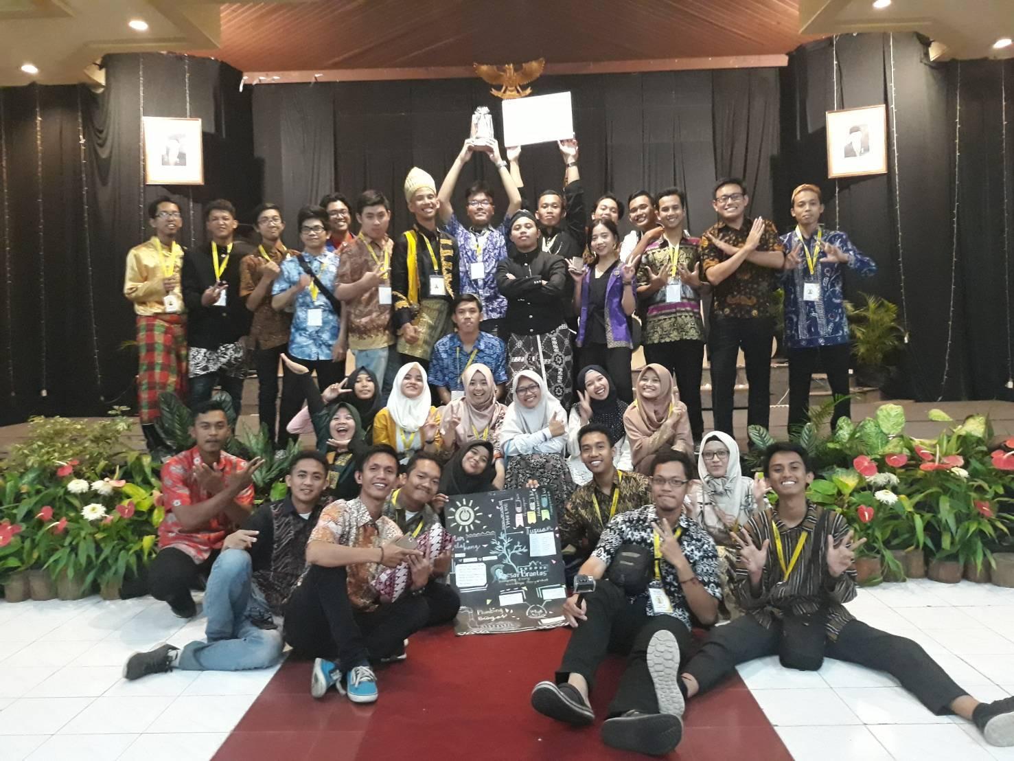 Mahasiswa Fisika dalam Gils 2018